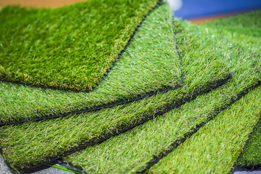 Artificial vs natural grass